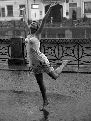 танцы под дождём картинки