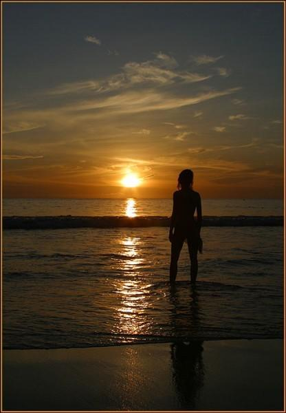 фото девушек ню на море