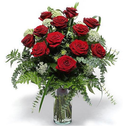 Букет из роз с папоротником