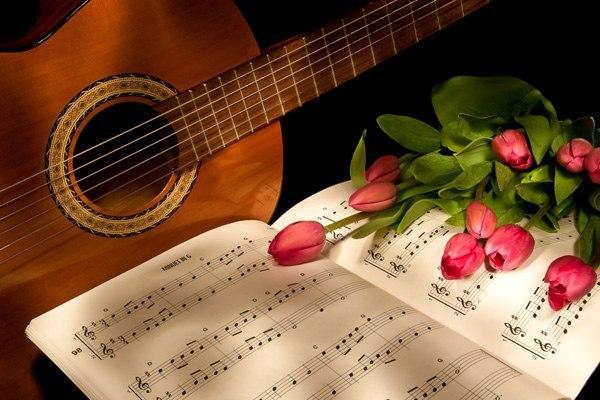 Открытка с гитарой и цветами, пятница