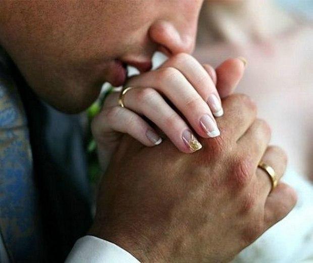 Твоею рукой свою любовью