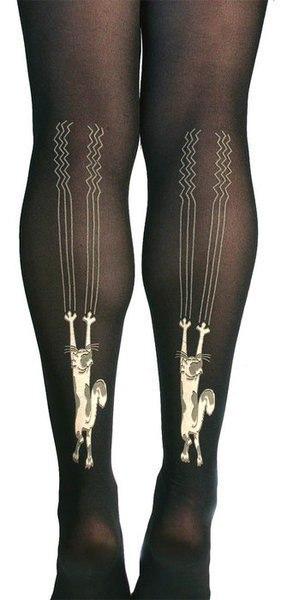 Женские ножки и между ними — photo 3