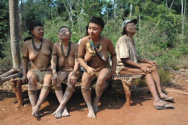 prosmotr-foto-golih-zhenshin-afrikanskih-narodov