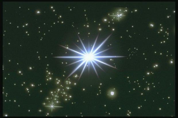 Почему на небе всегда горит 1 звезда