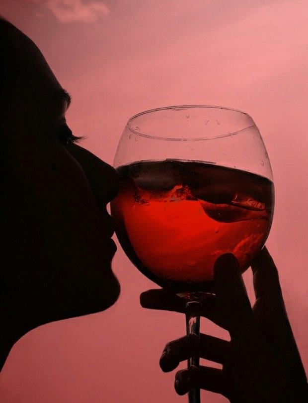 фотки с вином на аву один самых ярких