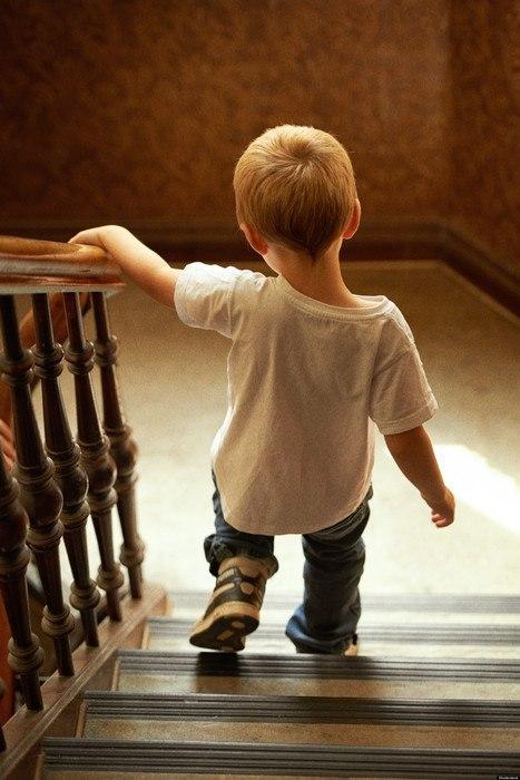 К чему сниться спускаться по лестнице вниз