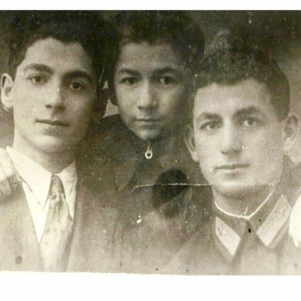 Старые фото, юные лица