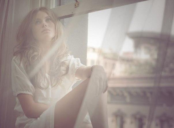 девушка мечтает о возлюбленном фото