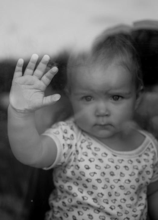 Фото детей маленьких грустных
