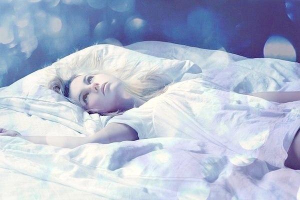 Пока ты спишь я придумываю тебе сны картинка презике