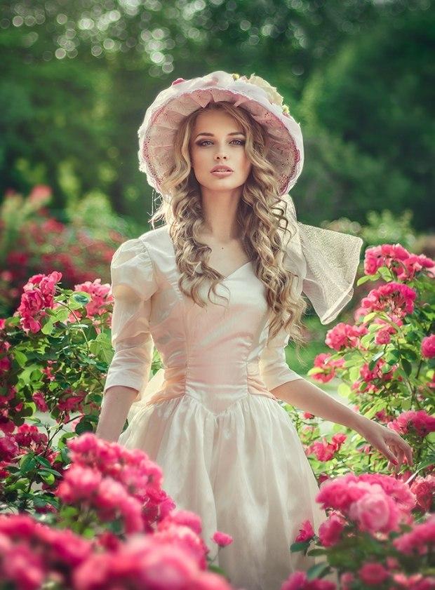 Стих девушка в розовом платье