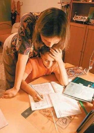 Прикольные картинки мама делает уроки, красивая открытка