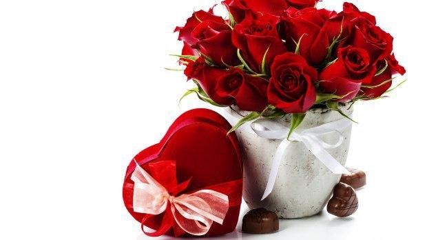 букет алых роз стихи
