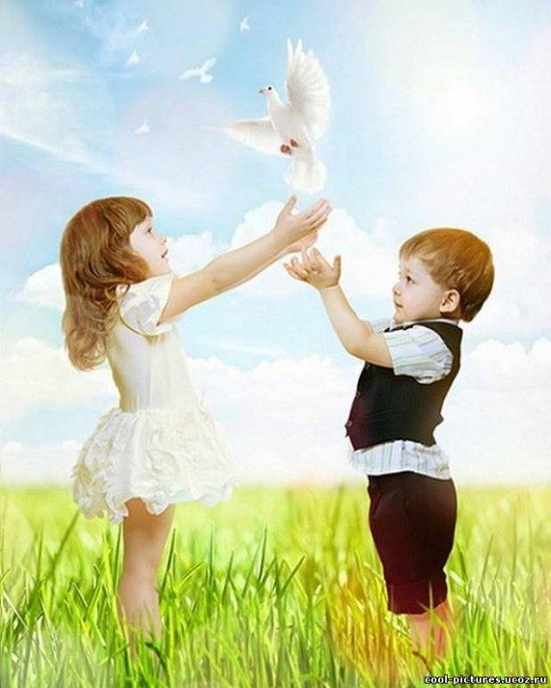 Картинки ребенок с голубем
