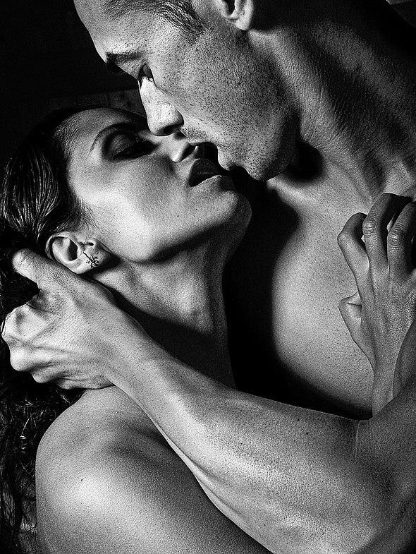 Написать парню, страстные поцелуи картинки с надписями