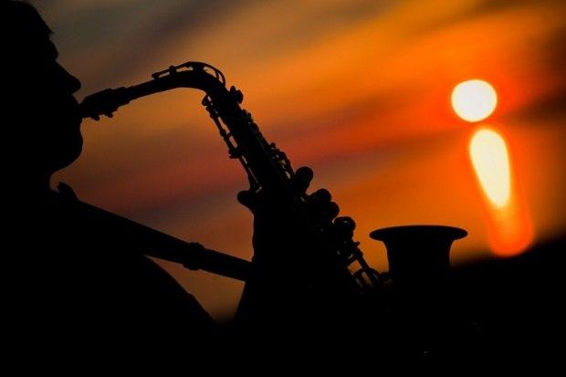 Скачать музыку одинокий саксофон