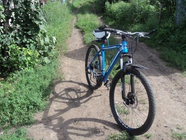 Старая жопа на велосипеде, трахают